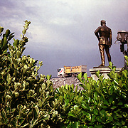 Istanbul, T&uuml;rkei/Turkey. Kennedy Caddesi / Atat&uuml;rk Heykeli. Atat&uuml;rk Statur mit Blick auf den Bosphorus, dazwischen eine Baustelle. Atat&uuml;rk stature with a view on the Bosphorus, in between a construction site.<br /> &copy; 05/2012 Harald Krieg / Agentur Focus