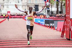 Eliud Kipchoge wins London Marathon in 2:02:37 establishing new course record
