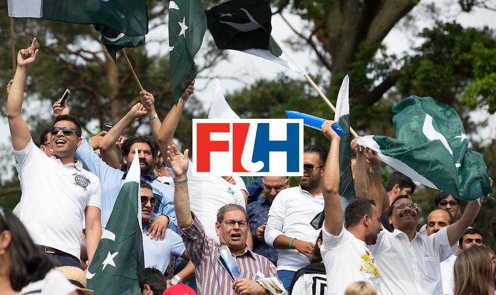 ANTWERP -  Pakistan supporters   during  the hockeymatch   India v Pakistan.  WSP COPYRIGHT KOEN SUYK
