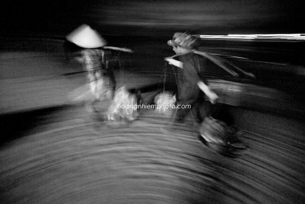 Vietnam Images-maeket-people-Vung Tau hoàng thế nhiệm