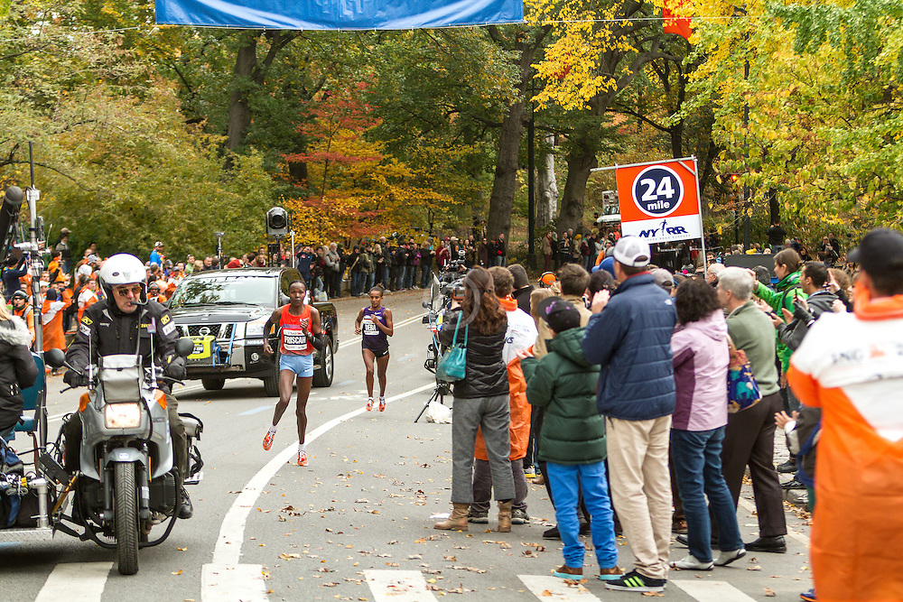 ING New York CIty Marathon: Priscah Jeptoo breaks from Buzunesh Deba near mile 24 en route to victory