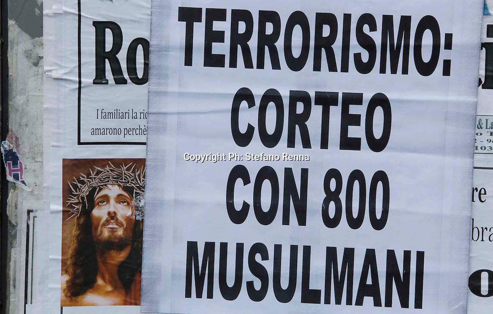 Sarno, ( Salerno ) 22 novembre 2015<br />  comunit&agrave; musulmana  in piazza contro i terroristi dell' isis  <br /> Ph: Stefano Renna