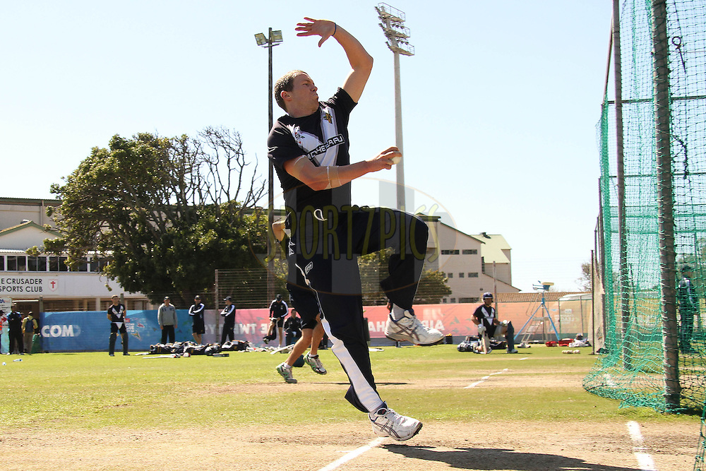 Peter Siddle of the Victorian Bushrangers sends down a delivery during the Victorian Bushrangers training session held at St Georges Park in Port Elizabeth on the 12 September 2010..Photo by: Shaun Roy/SPORTZPICS/CLT20