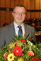 Ludwigshafen. 11.12.17 | <br /> Die Mitglider des Ludwigshafener Stadtrats w&auml;hlen die neuen B&uuml;rgermeister (Dezernenten)<br /> - Klaus Dillinger (CDU) wird zum Bau- und Umweltdezernent gew&auml;hlt. <br /> Bild: Markus Prosswitz 11DEC17 / masterpress (Bild ist honorarpflichtig - No Model Release!) <br /> BILD- ID 01374 |