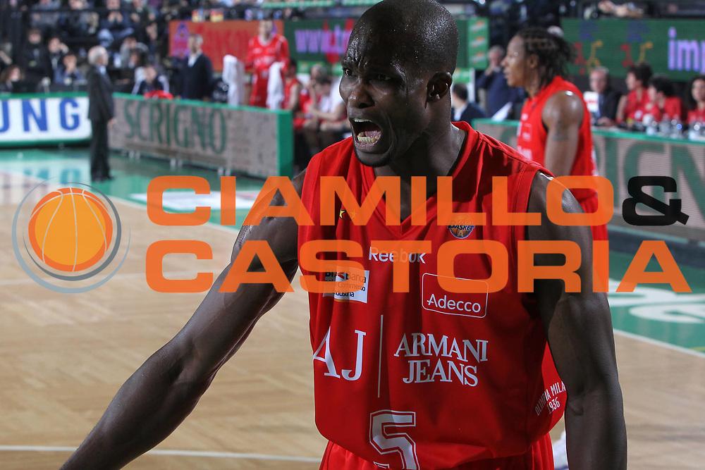 DESCRIZIONE : Treviso Lega A 2010-11 Benetton Treviso Armani Jeans Milano<br /> GIOCATORE : Benjamin Eze<br /> SQUADRA : Armani Jeans Milano<br /> EVENTO : Campionato Lega A 2010-2011 <br /> GARA : Benetton Treviso Armani Jeans Milano<br /> DATA : 29/01/2011<br /> CATEGORIA : Ritratto<br /> SPORT : Pallacanestro <br /> AUTORE : Agenzia Ciamillo-Castoria/G.Contessa<br /> Galleria : Lega Basket A 2010-2011 <br /> Fotonotizia : Treviso Lega A 2010-11 Benetton Armani Jeans Milano<br /> Predefinita :