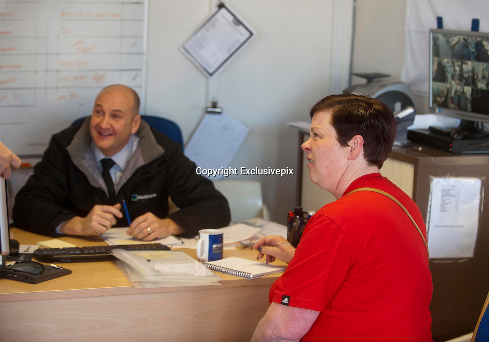 EXCLUSIVE <br /> White Dee Pictured is Benefits Street star Dee Kelly &quot; White Dee &quot; looking at Caravans at Chichester Caravans, Birmingham<br /> She is pictured in the Sales Office<br /> &copy;Exclusivepix