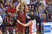 DESCRIZIONE : Venezia Lega A 2014-15 Umana Venezia-Grissin Bon Reggio Emilia  playoff Semifinale gara 7<br /> GIOCATORE :Ress Tomas<br /> CATEGORIA :  Low Tiro Tre Punti <br /> SQUADRA : Umana Venezia<br /> EVENTO : LegaBasket Serie A Beko 2014/2015<br /> GARA : Umana Venezia-Grissin Bon Reggio Emilia playoff Semifinale gara 7<br /> DATA : 11/06/2015 <br /> SPORT : Pallacanestro <br /> AUTORE : Agenzia Ciamillo-Castoria /A.Scaroni<br /> Galleria : Lega Basket A 2014-2015 Fotonotizia : Reggio Emilia Lega A 2014-15 Umana Venezia-Grissin Bon Reggio Emilia playoff Semifinale gara 7<br /> Predefinita :