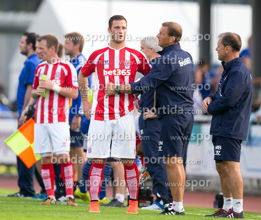 29.07.2014, Kufstein Arena, Kufstein, AUT, FS Vorbereitung, Testspiel, FC Schalke 04 vs Stoke City, im Bild Marko Arnautovic (Stoke City) bei einer Trinkpause // during a Friendly Match between FC Schalke 04 and Stoke City at the Kufstein Arena, Kufstein, Austria on 2014/07/29. EXPA Pictures © 2014, PhotoCredit: EXPA/ Johann Groder
