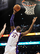 Feb. 2, 2011; Phoenix, AZ, USA; Phoenix Suns forward Hakim Warrick (21) dunks the ball against the Milwaukee Bucks at the US Airways Center. The Suns defeated the Bucks 92-77. Mandatory Credit: Jennifer Stewart-US PRESSWIRE