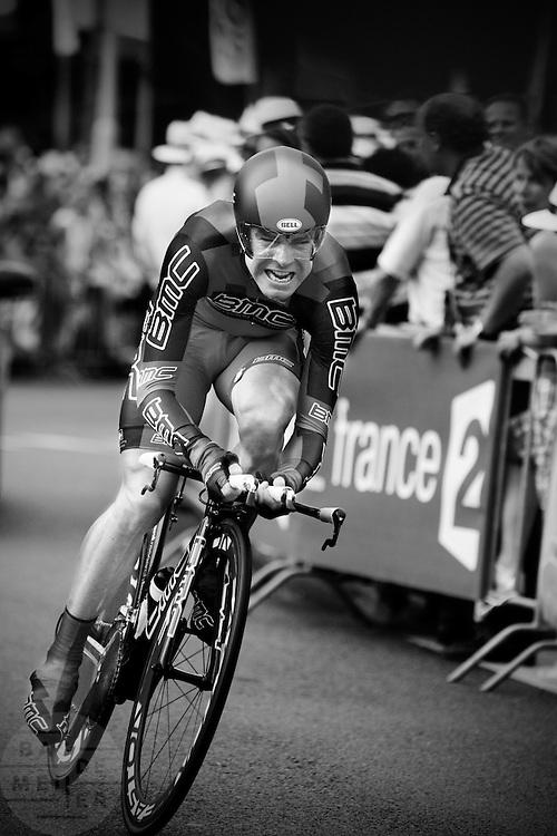 Cadel Evans bij de proloog van de Tour de France in Rotterdam.<br /> <br /> Cadel Evans at the prologue of the Tour de France 2010 in Rotterdam.