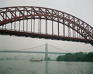 Hell Gate Bridge over the East River, Connecting Randall's and Ward's Island, Manhattan and Queens, New York City, NY, designed by Gustav Lindenthal, Othmar Ammann