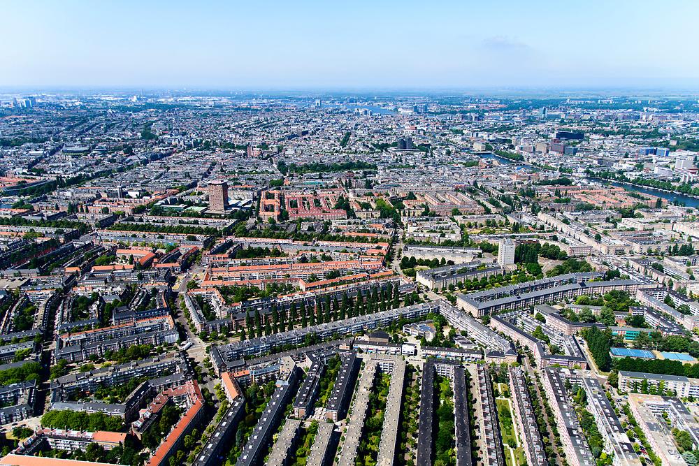 Nederland, Noord-Holland, Amsterdam-Zuid, 29-06-2018; Overzicht Rivierenbuurt en onderdeel van Plan- Zuid van Berlage.<br /> Diagonaal in de voorgrond de Rooseveltlaan, naar Wolkenkrabber Victorieplein. Verder in beeld Maasstraat Churchill-laan, Vrijheidslaan.<br /> Amsterdam south as designed according to Plan South from Berlage.<br /> <br /> luchtfoto (toeslag op standard tarieven);<br /> aerial photo (additional fee required);<br /> copyright foto/photo Siebe Swart
