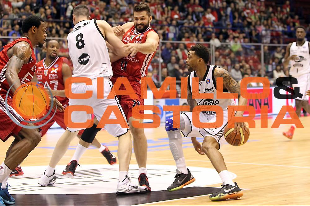 DESCRIZIONE: Milano Lega A 2014-15 <br /> EA7 Emporio Armani Granarolo Bologna<br /> GIOCATORE: Allan Ray<br /> CATEGORIA: palleggio<br /> SQUADRA: Granarolo Bologna<br /> EVENTO: Play-off quarti di finale gara 2 2014-2015<br /> GARA: EA7 Emporio Armani Granarolo Bologna<br /> DATA: 20/05/2015<br /> SPORT: Pallacanestro<br /> AUTORE: Agenzia Ciamillo-Castoria/A. Ossola<br /> Galleria: Lega Basket A 2014-2015<br /> Fotonotizia: Milano Lega A 2014-15 <br /> EA7 Emporio Armani Granarolo Bologna