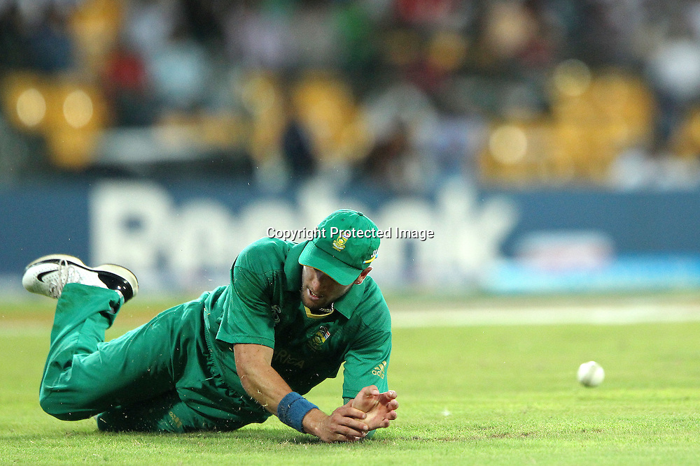 Wayne Parnell misses the catch to dismiss Shane Watson during the ICC World Twenty20 Super 8s match between Australia and South Africa held at the Premadasa Stadium in Colombo, Sri Lanka on the 30th September 2012<br /> <br /> Photo by Ron Gaunt/SPORTZPICS
