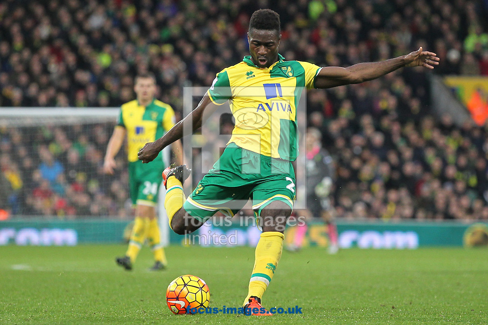 Alexander Tettey of Norwich has a shot on goal during the Barclays Premier League match at Carrow Road, Norwich<br /> Picture by Paul Chesterton/Focus Images Ltd +44 7904 640267<br /> 12/12/2015