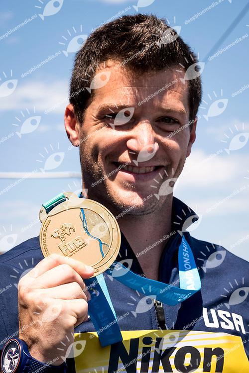 High Diving Podium<br /> LO BUE Steve USA Gold Medal<br /> Paolo Barelli FINA, FIN President, LEN Presidente<br /> Day 17 30/07/2017<br /> XVII FINA World Championships Aquatics<br /> City Park - Varosliget Lake<br /> Budapest Hungary <br /> Photo Giorgio Scala/Deepbluemedia/Insidefoto