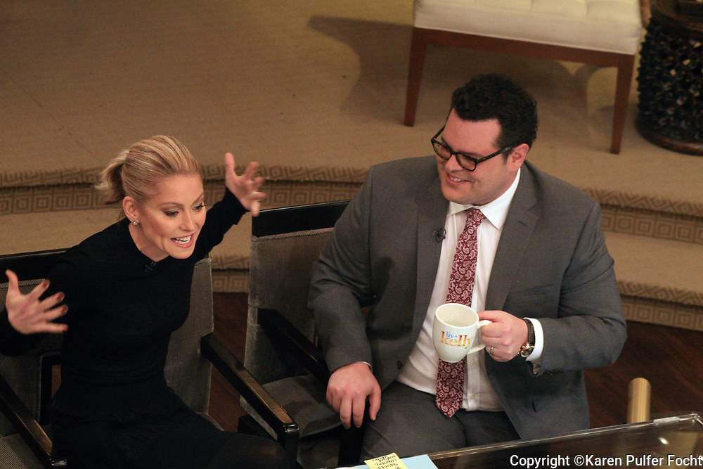 JOSH GAD was the guest host for KELLY RIPA this week on her show Live With Kelly.