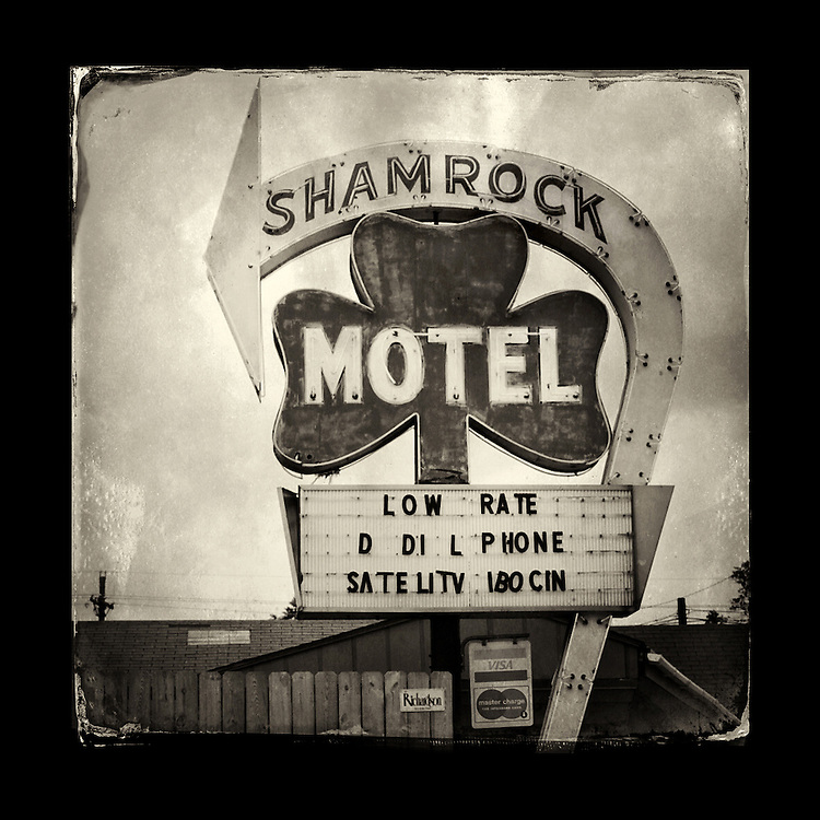 "Charles Blackburn image of the Shamrock Motel sign in Texarkana, TX. 5x5"" print."