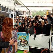 NLD/Amsterdam/20070612 - Premiere Shrek 3, Marco Borsato en partner Leontien Ruiters poseren voor de fotografen