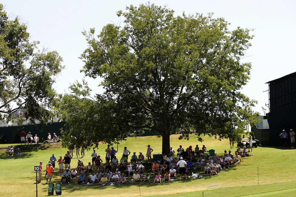 10 August 2007: Fans flock to shade while temperatures reach 100 degrees during the second round of the 89th PGA Championship at Southern Hills Country Club in Tulsa, OK.