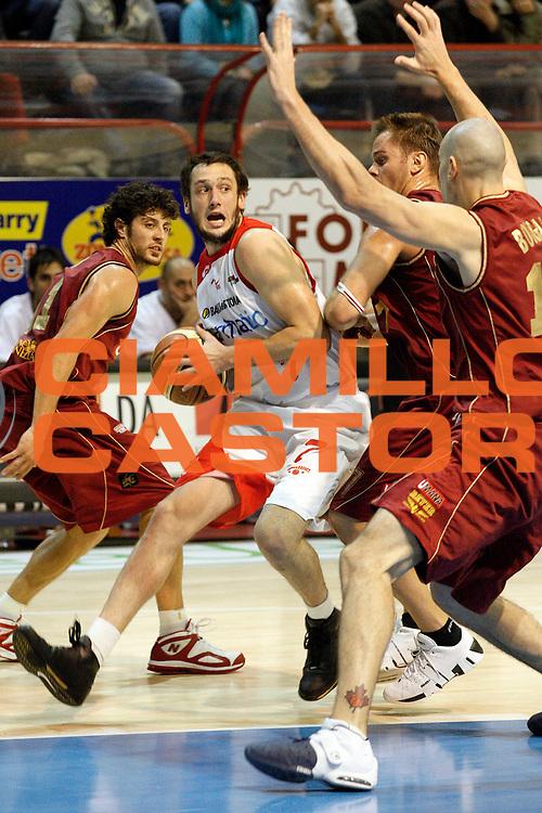 DESCRIZIONE : Pistoia Lega A2 2008-09 Carmatic Pistoia Umana Reyer Venezia<br /> GIOCATORE : Rosselli Guido<br /> SQUADRA : Carmatic Pistoia<br /> EVENTO : Campionato Lega A2 2008-2009<br /> GARA : Carmatic Pistoia Umana Reyer Venezia<br /> DATA : 23/11/2008<br /> CATEGORIA : Penetrazione<br /> SPORT : Pallacanestro<br /> AUTORE : Agenzia Ciamillo-Castoria/Stefano D'Errico