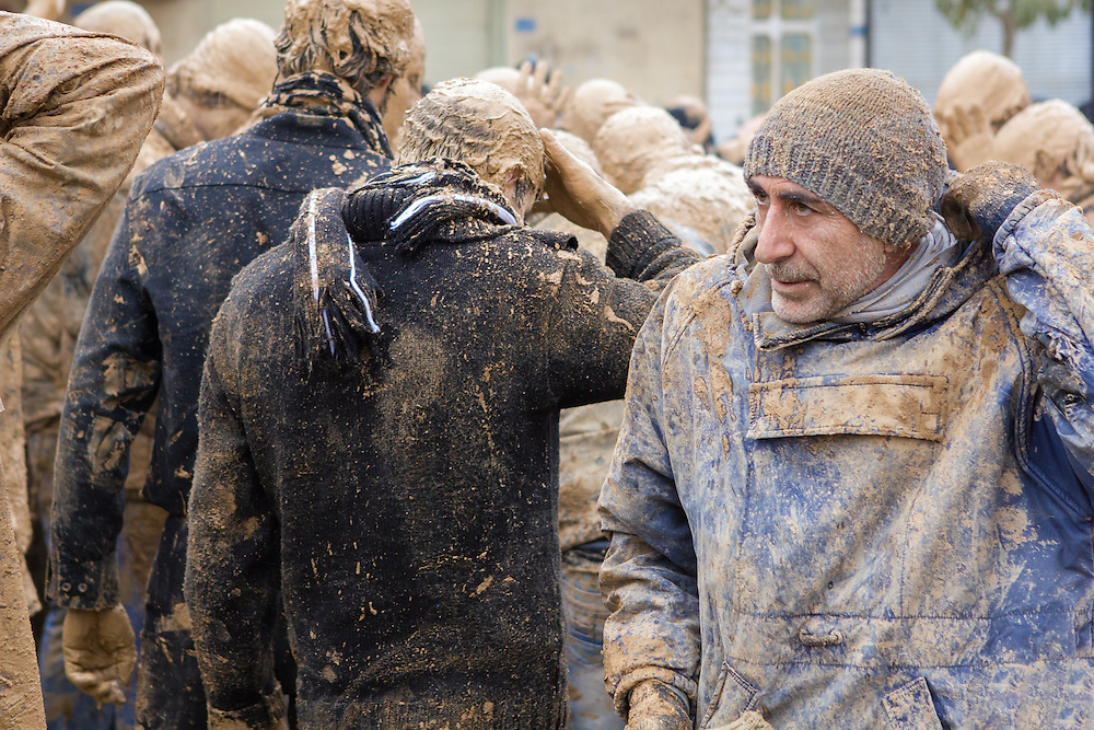 Licensed by Getty Images (2013). Available here: http://www.gettyimages.nl/detail/nieuwsfoto%27s/mourning-shia-muslim-men-covered-in-mud-on-the-day-of-nieuwsfotos/166935936