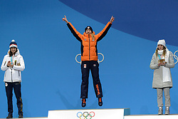 February 17, 2018 - Pyeongchang, South Korea - ESMEE VISSER of the Netherlands celebrates getting the gold medal in the Ladies' 5000m speed skating event in the PyeongChang Olympic Games. (Credit Image: © Christopher Levy via ZUMA Wire)