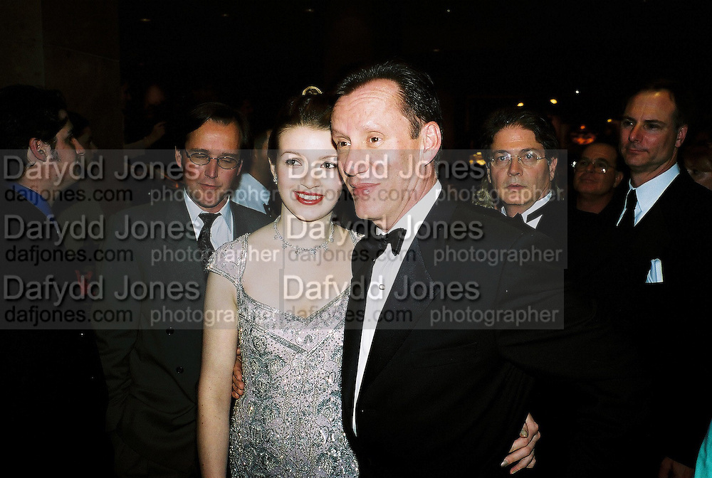 James Woods and Hilary Rowland. Post Golden Globes party. Beverley Hilton. 21 January 2001. © Copyright Photograph by Dafydd Jones 66 Stockwell Park Rd. London SW9 0DA Tel 020 7733 0108 www.dafjones.com
