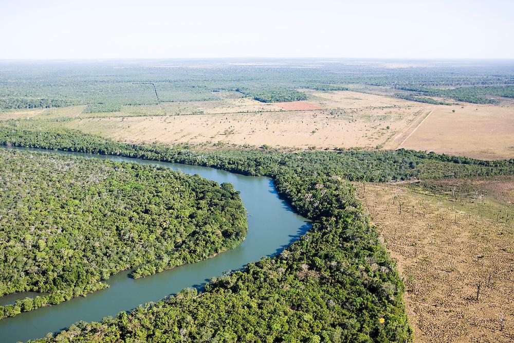 Fazenda Barra Grande (cattle farm) in Mato Grosso, Brazil, August 7, 2008. Daniel Beltra/Greenpeace