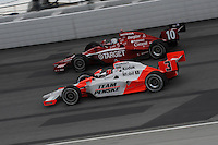 Helio Castroneves, Dan Wheldon, Peak Antifreeze and Motor Oil Indy 300, Chicagoland Speedway, Joliet, IL USA  8/29/08
