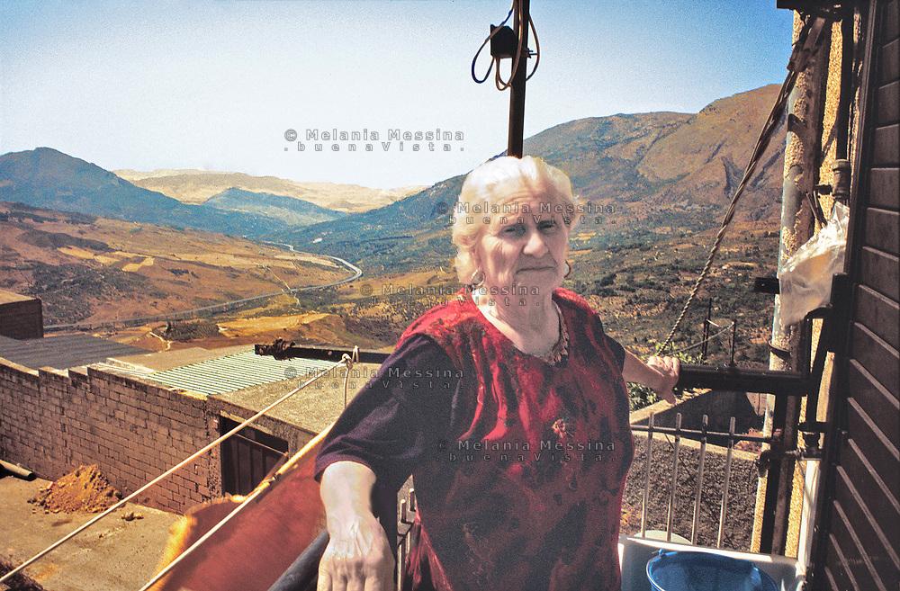 Santina Barrancotto, farmer and activist of Sicilian peasant movement after the second world war.<br /> Santina Barrancotto, contadina,  attiva nelle lotte per la terra contro il latifondo nel dopoguerra in Sicilia.