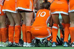08-06-2011 HOCKEY: NEDERLAND - AZERBEIDZJAN: UTRECHT<br />Hockey item, overleg, yel, kousen<br />©2011-FotoHoogendoorn.nl