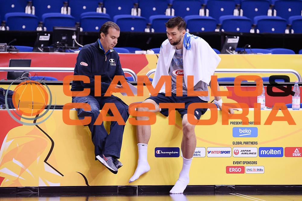 DESCRIZIONE: Berlino EuroBasket 2015 - Allenamento<br /> GIOCATORE:Hordur Simone Pianigiani Andrea Bargnani<br /> CATEGORIA: Allenamento<br /> SQUADRA: Italia Italy<br /> EVENTO:  EuroBasket 2015 <br /> GARA: Berlino EuroBasket 2015 - Allenamento<br /> DATA: 04-09-2015<br /> SPORT: Pallacanestro<br /> AUTORE: Agenzia Ciamillo-Castoria/M.Longo<br /> GALLERIA: FIP Nazionali 2015<br /> FOTONOTIZIA: Berlino EuroBasket 2015 - Allenamento
