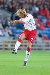 OSLO, NORWAY - Wednesday, September 5, 2001: Wales' Robbie Savage scores the opening goal during the FIFA World Cup 2002 Qualifying Group 5 match against Norway at the Ullevaal Stadion. (Pic by David Rawcliffe/Propaganda)
