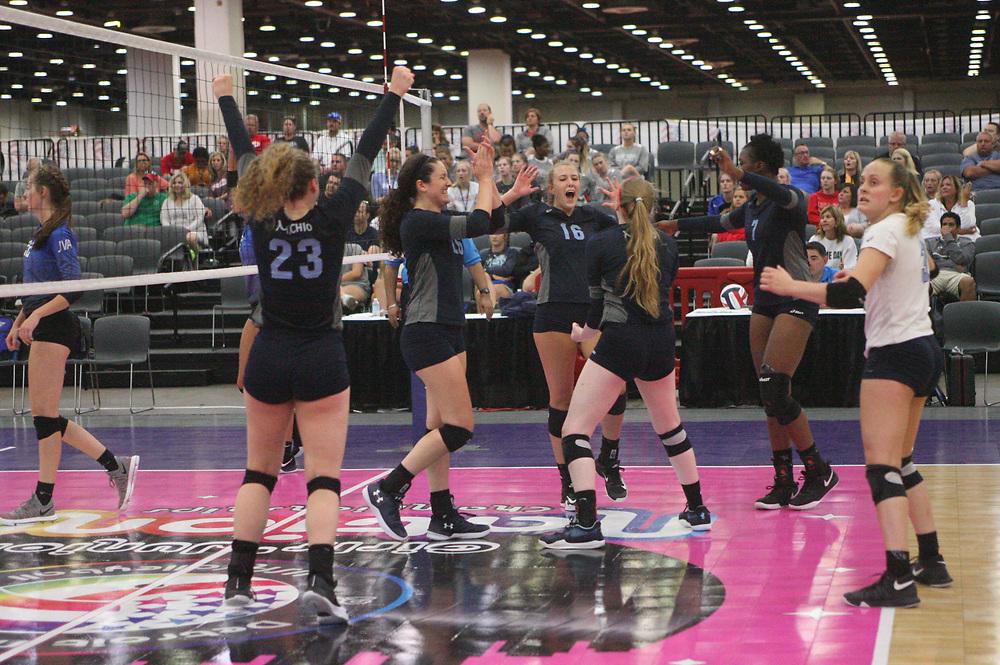 GJNC - July 2018 - Detroit, MI - 17 National finals - Michio (black) - Adrenaline (blue) - Photo by Wally Nell/Volleyball USA