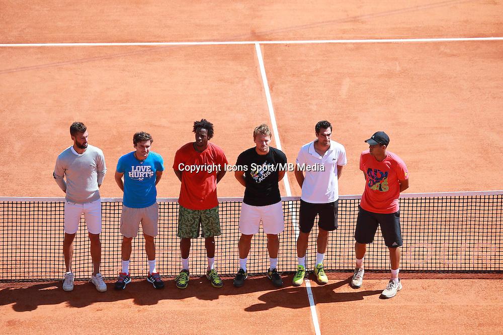 Minute de silence en hommage a Patrice Dominguez  / Jeremy Chardy /  Jo Wilfried Tsonga / Gael Monfils / Gilles Simon/  Benoit Paire  - 13.04.2015 - Tournoi de Monte Carlo 2015 - Masters 1000  <br />Photo : Serge Haouzi / Icon Sport
