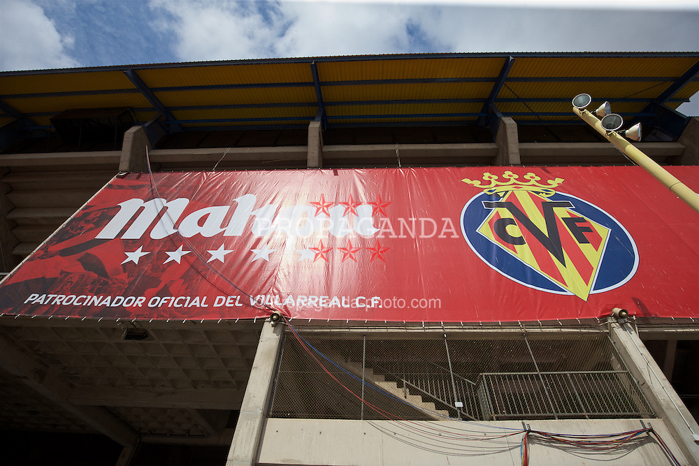 VILLRREAL, SPAIN - Wednesday, April 27, 2016: An exterior view of Villarreal CF's Estadio El Madrigal ahead of the UEFA Europa League Semi-Final 1st Leg match against Liverpool. (Pic by David Rawcliffe/Propaganda)