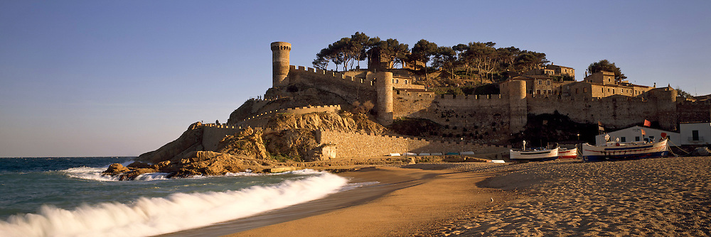 SPAIN, COSTA BRAVA Tossa del Mar medieval resort