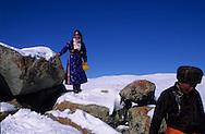 Mongolia. climbing the mountain for Tsagan sar, mongolian new year. Gambolt family;  in Uyanga area  aymak / montee a la montagne pour la fete de Tsagan sar, nouvel an mongol;dans la region de Uyanga  ovorkangai province  Mongolie