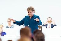 07 DEC 2018, HAMBURG/GERMANY:<br /> Angela Merkel, CDU, Bundeskanzlerin, nach Ihrer letzten Rede als Parteivorsitzende, CDU Bundesparteitag, Messe Hamburg<br /> IMAGE: 20181207-01-091<br /> KEYWORDS: party congress, Appluas, applaudiren, klatschen, Jubel