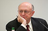 """14  OCT 2003, BERLIN/GERMANY:<br /> James Woolsey, ehem. Direktor CIA und Sicherheits- und Verteidigungsexperte, Veranstaltung """"Berliner Agenda - Sicherheit und Verteidigung im 21. Jahrhundert"""", Hotel Palace Berlin<br /> IMAGE: 20031014-02-075"""