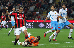 18.09.2010, Giuseppe-Meazza-Stadion, Florenz, ITA, Serie A, AC Mailand vs Catania Calcio, im Bild Il giocatore del Milan FILIPPO INZAGHI  fermato dal portiere del Catania Andujar. EXPA Pictures © 2010, PhotoCredit: EXPA/ InsideFoto/ Alberto Camici +++++ ATTENTION - FOR AUSTRIA AND SLOVENIA CLIENT ONLY +++++ / SPORTIDA PHOTO AGENCY