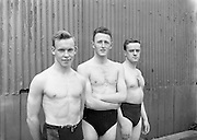 Swimming - Irish Universities vs English Universities at Clontarf Baths.Gregg, W. (Queen's University Belfast) in the centre along with other Members of the Irish Universities Water Polo Team who were defeated by England at Clontarf.18/07/1953