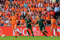 01-06-2019 NED: Netherlands - Australia, Eindhoven<br /> <br /> Friendly match in Philips stadion Eindhoven. Netherlands win 3-0 / Vivianne Miedema #9 of The Netherlands, Lisa de Vanna #11 of Australia, Katrina Gorry #19 of Australia
