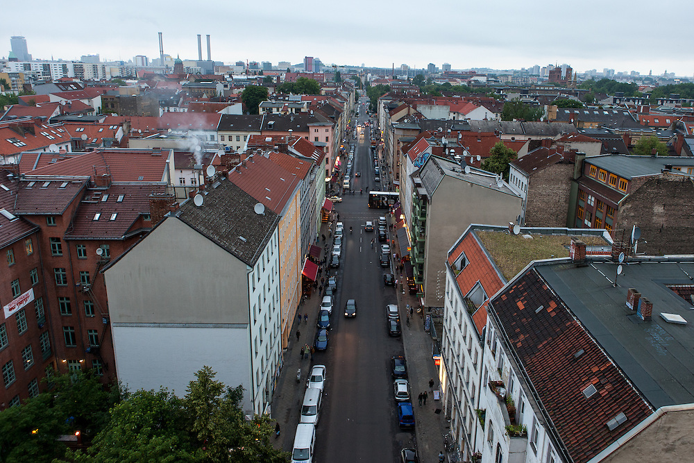 "Germany - Deutschland - BERLIN KREUZBERG - Kottbusser Tor, KOTTI; NKZ (Neues Kreuzberger Zentrum); Sozialer Wohnungsbau;  Bewegung: "" we love KOTTI ""; Hier: Adalbertstrasse ... 21.06.2012"