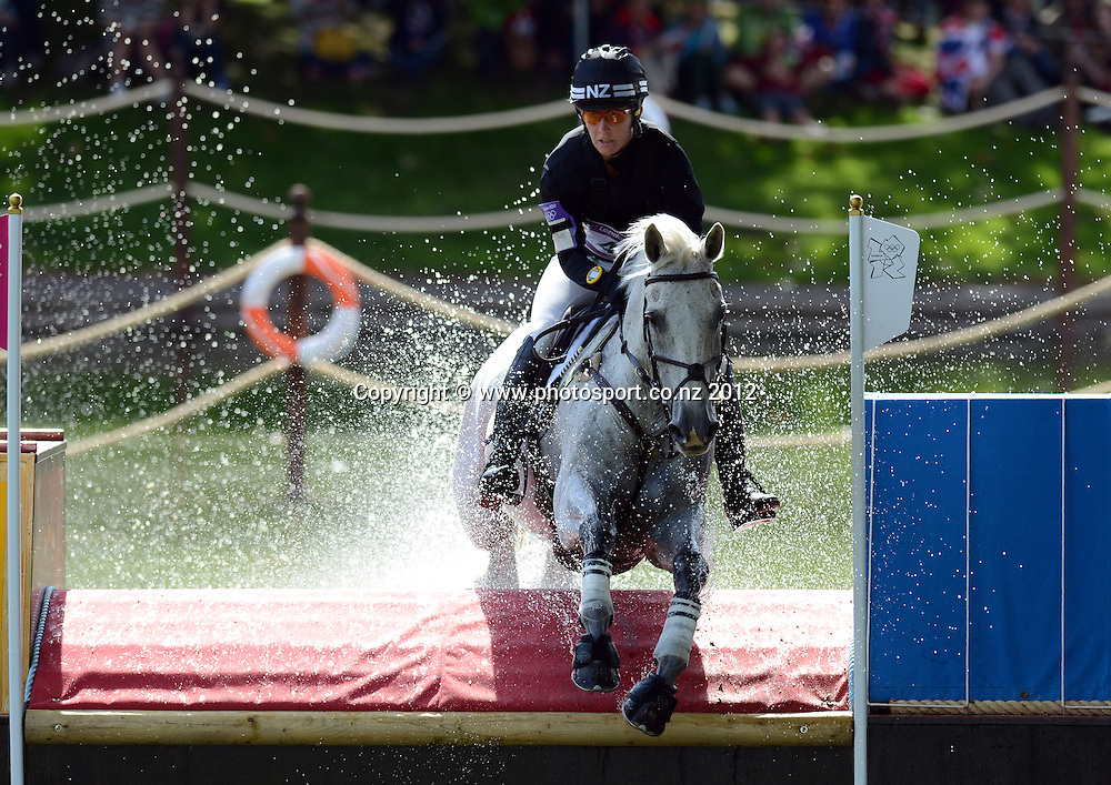 New Zealand's Caroline Powell on Lenamore during the Eventing Cross Country. Equestrian at Greenwich Park. Olympic Games, London. United Kingdom. Monday 30 July 2012. Photo: Andrew Cornaga / Photosport.co.nz