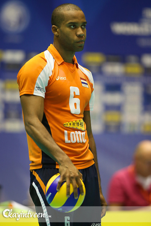 ROTTERDAM - Nederland Portugal , Volleybal , FIVB World League Qualification Matches , Topsportcentrum Rotterdam , 02-09-2012 , seizoen 2012-2013 , Speler van Nederland Tony Krolis