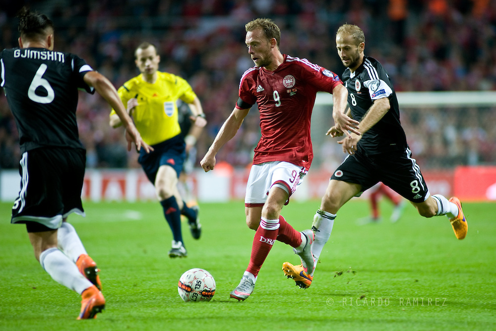 04.09.2015. Copenhagen, Denmark. <br /> Michael Krohn-Dehli in action during their UEFA European Champions qualifying round match at the Parken Stadium. <br /> Photo: © Ricardo Ramirez.