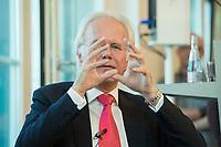 10 JUN 2013, BERLIN/GERMANY:<br /> Harald Schmidt, Kabarettist und Kolumnist, waehrend einer Diskussionsrunde, Stiftung Mercator, Stiftungsfest, ProjektZentrum Berlin<br /> IMAGE: 20130610-01-093
