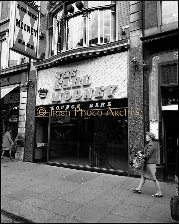 01/07/1969<br /> 07/01/1969<br /> 01 July 1969<br /> Pubs in and about Dublin.<br /> The Earl Mooney, North Earl Street, Dublin.